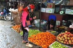 Mercado rural asiático em Sapa, Vietname Fotografia de Stock