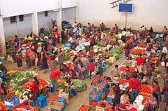 Mercado semanal en Chichicastenango Fotos de archivo