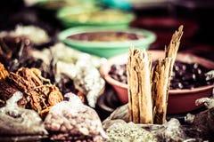 Mercado tradicional de la comida en Perú. Imagen de archivo libre de regalías