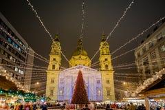 Mercado tradicional de la Navidad de Budapest en Stephan Platz Imagenes de archivo