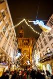 Mercado tradicional de la Navidad en la Estrasburgo histórica Francia Imagenes de archivo