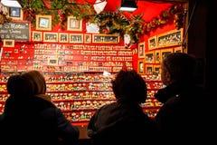 Mercado tradicional de la Navidad en la Estrasburgo histórica Francia Fotos de archivo libres de regalías