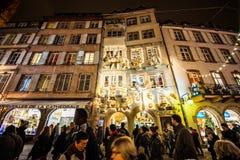 Mercado tradicional de la Navidad en la Estrasburgo histórica Francia Imagen de archivo libre de regalías