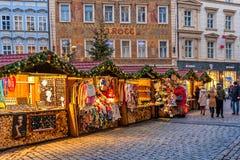 Mercado tradicional de la Navidad en Praga Fotos de archivo