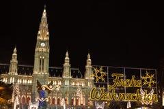 Mercado tradicional do Natal em Viena imagens de stock royalty free