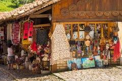 Mercado tradicional do otomano em Kruja, cidade do nascimento do herói nacional Skanderbeg, Albânia imagens de stock royalty free