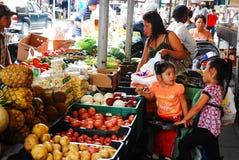 Mercado urbano de los granjeros fotos de archivo