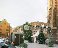 Mercado vacío de la Navidad en el pueblo de Thann Imagenes de archivo