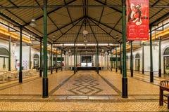 Mercado velho Hall Interior, Tavira, Portugal imagens de stock royalty free