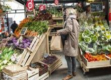 Mercado verde em Amsterdão Fotos de Stock Royalty Free