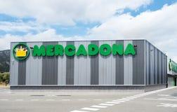 Mercadona超级市场在Hospitalet,西班牙 图库摄影