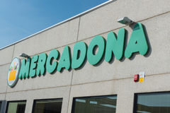 Mercadona supermarketfasad Royaltyfria Foton