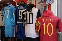 Mercadoria do futebol foto de stock