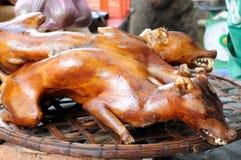 Mercados del color en Vietnam, perro cocinado Imágenes de archivo libres de regalías