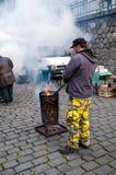 Mercados do ` dos fazendeiros na terraplenagem do rio de Vltava em Praga Fotografia de Stock