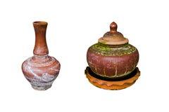 Mercancías antiguas de la tierra de pote de arcilla para el agua potable imágenes de archivo libres de regalías