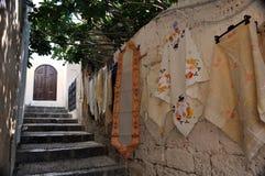 Mercancías mediterráneas de la calle Imagen de archivo libre de regalías