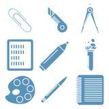 Mercancías negras de la escuela, iconos lineares azules claros parte Imágenes de archivo libres de regalías