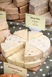 Mercancías para la venta en el festival de la comida de Farnham Imagen de archivo