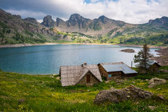 Mercantour、阿尔卑斯& x28国家公园的Allos湖; France& x29; 免版税图库摄影