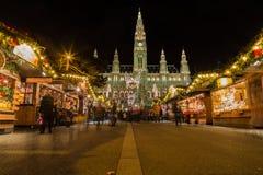 Mercati di Natale di Vienna a Rathaus Immagini Stock