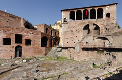 Mercati Di Traiano στα αγγλικά που καλούνται ως αγορά Trajans στη Ρώμη Στοκ Φωτογραφία