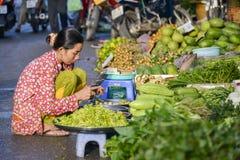 Mercato asiatico della verdura e della frutta fresca Immagine Stock Libera da Diritti