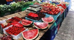 Mercato con le verdure e frutti in Spagna Fotografia Stock