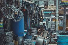 Mercato del ferro a Varanasi, India Immagini Stock Libere da Diritti