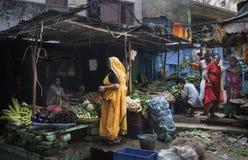 Mercato della frutta e della verdura di Varanasi Immagine Stock