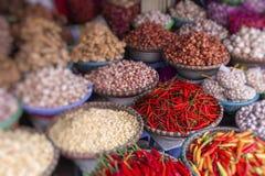 Mercato della verdura e della frutta Fuoco selettivo fotografia stock
