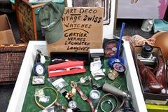 Mercato delle pulci del garage degli oggetti d'antiquariato Fotografie Stock Libere da Diritti