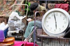 Mercato delle pulci del garage degli oggetti d'antiquariato Immagini Stock Libere da Diritti