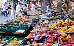 Mercato delle verdure e della frutta fresca di Lugano, Svizzera Immagine Stock Libera da Diritti