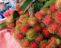 Mercato di frutta del Rambutan in Tailandia Fotografia Stock