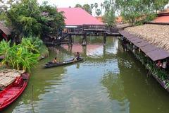 Mercato di galleggiamento di Ayutthaya fotografie stock libere da diritti