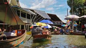 Mercato di galleggiamento di Damnoensaduak Fotografia Stock Libera da Diritti