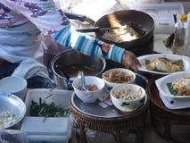 Mercato di galleggiamento in Tailandia immagini stock libere da diritti