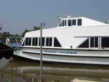 Mercato di galleggiamento in Tailandia fotografia stock