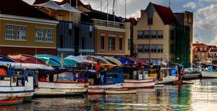 Mercato di galleggiamento in Willemstad Fotografia Stock Libera da Diritti