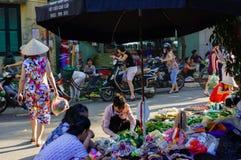Mercato di mattina sulla via Fotografia Stock Libera da Diritti