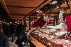 Mercato di natale di Alexanderplatz, Berlino fotografie stock