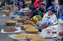 Mercato di Otavalo nell'Ecuador Immagini Stock Libere da Diritti