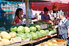 Mercato di Poltava, Ucraina - 5 agosto 2015 fotografie stock
