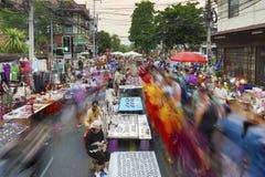 Mercato di strada di camminata di Chiang Mai Immagini Stock