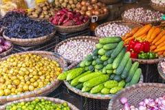 Mercato di verdura e della frutta a Hanoi, vecchio quarto, Vietnam, Asia fotografie stock libere da diritti