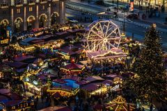 Mercato famoso di Natale di Dresda fotografia stock libera da diritti