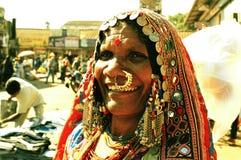 Mercato Goa India di Mapusa del venditore ambulante di signora del Karnataka fotografia stock libera da diritti