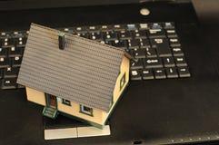 Mercato immobiliare in linea Fotografia Stock