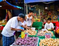 Mercato locale a Chinatown a Manila, Filippine Immagine Stock